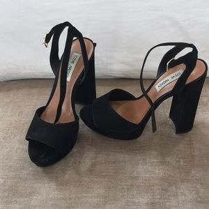 Steve Madden black platform pumps 8.5